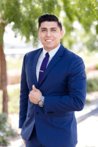 Loan Officer Cesar Garcia